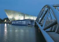 Autarc, het drijvende, duurzame en autarkische expo- en kantoorpaviljoen